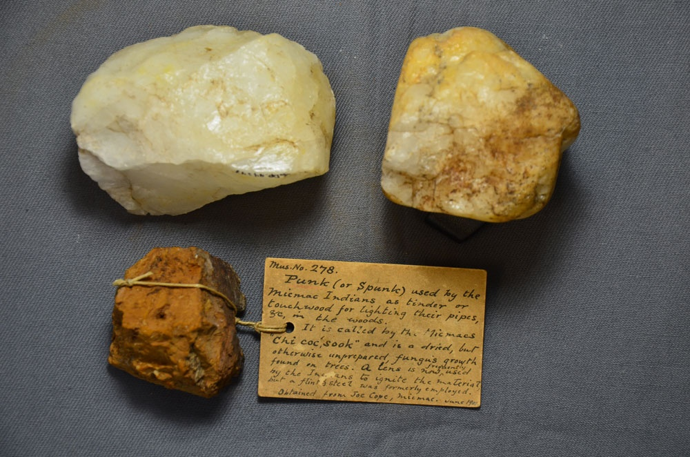 This picture shows an example of a Mi'kmaw fire-starter kit with puktewte'kn from the early 20th century. In this example, punk (fungus) is used in place of iron pyrite with quartz to start fires. The note was written by Nova Scotia Museum Curator Harry Piers. Initially, MDCC staff believed that Toney River might be a source for iron pyrite used in fire starting kits. The story we uncovered was a great deal more interesting! From the collections of the Nova Scotia Museum, Archaeology Collections, Halifax, NS.